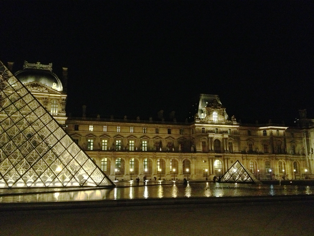 Louvre Night 1.png