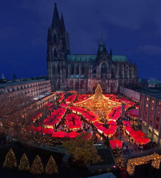 Cologne Cathedral Christmas Market via www.koelnerweihnachtsmarkt.com