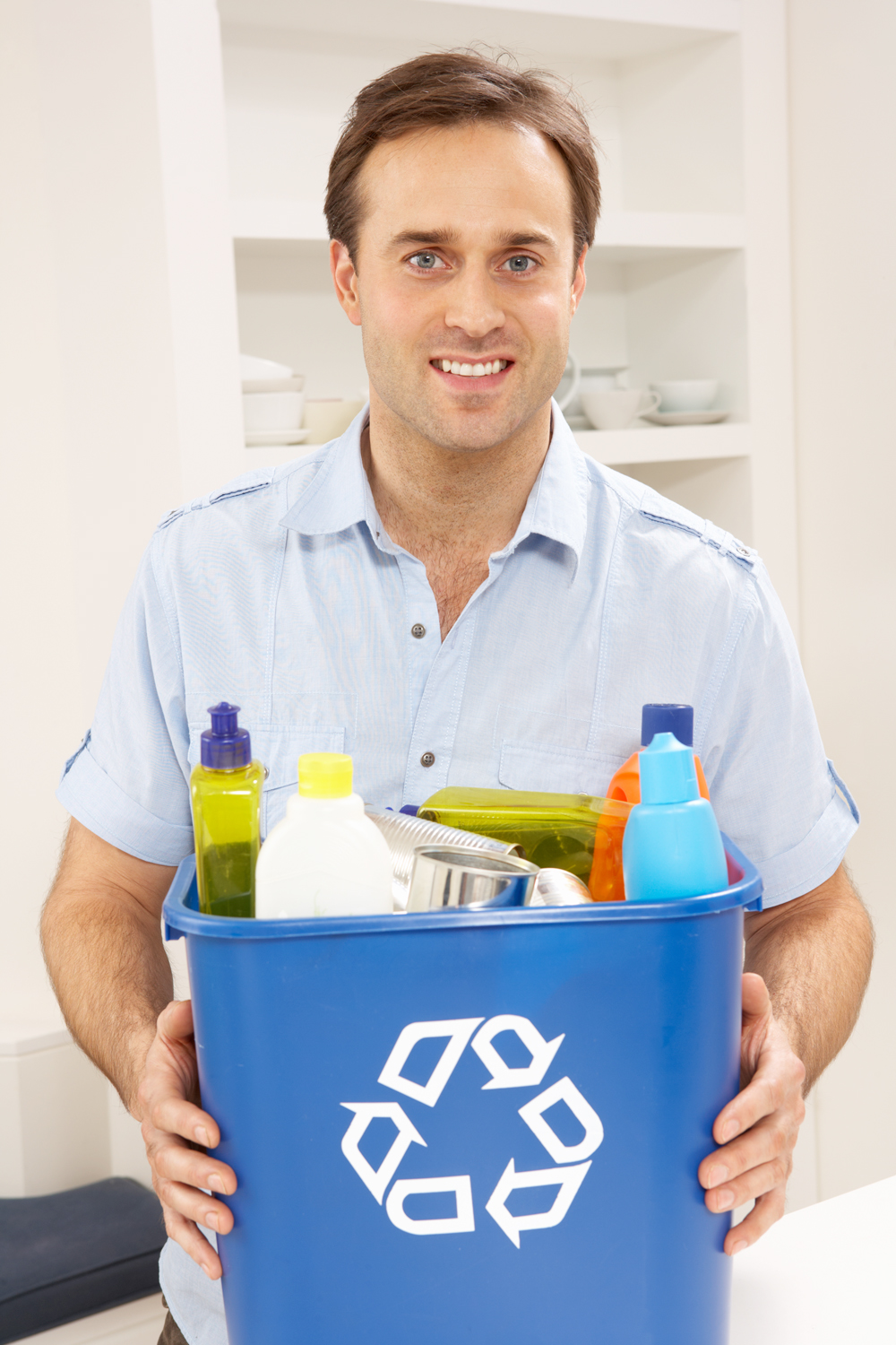 Recycling at the curb begins with collecting recyclables inside the home during the week. A small deskside recycling bin in the kitchen is a great way to remember to recycle.