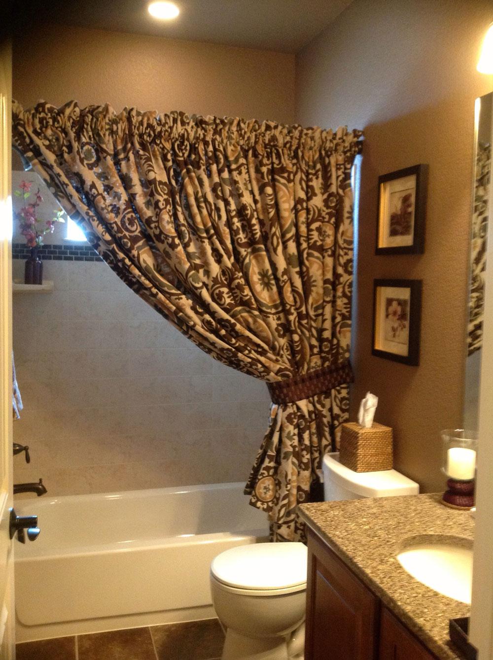 custom-drapery-colorado-springs-bathroom.jpg