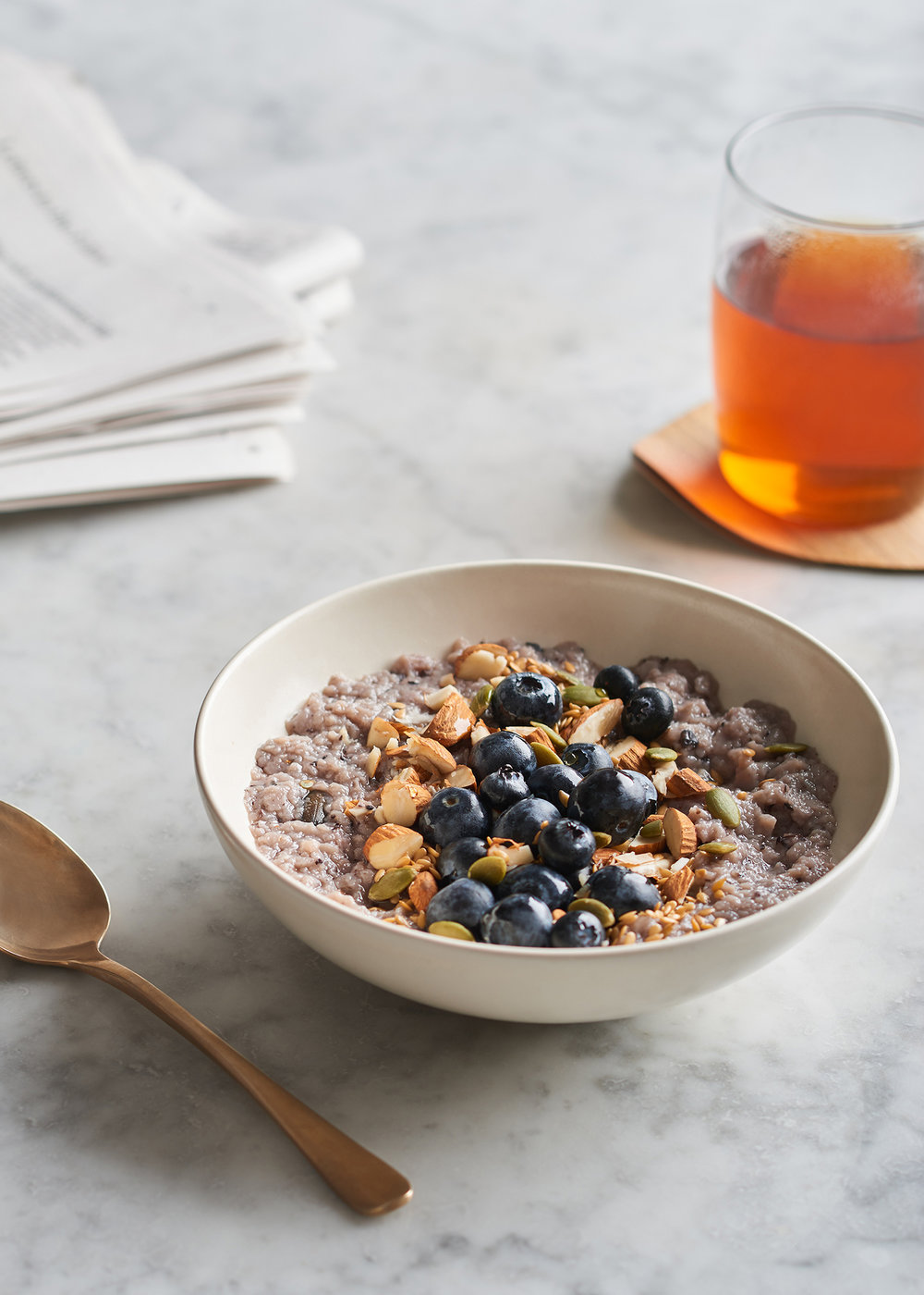 breakfast bowl with blueberries and porridge