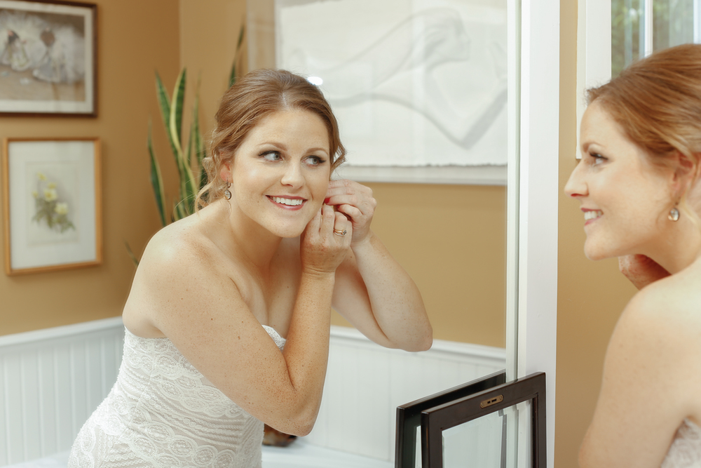 style altard st louis bride accessory shot