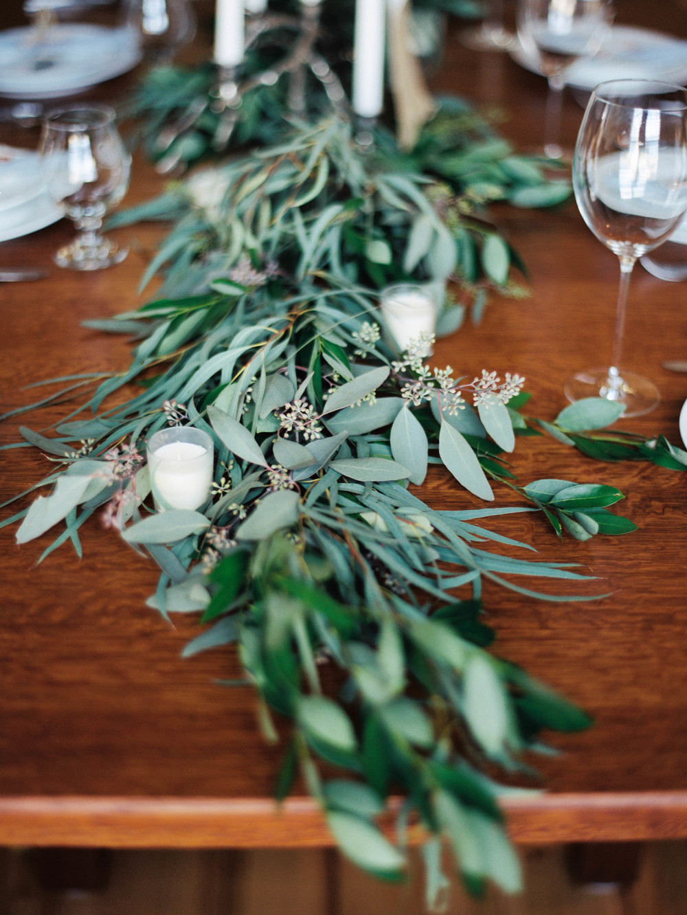 Table greenery garland