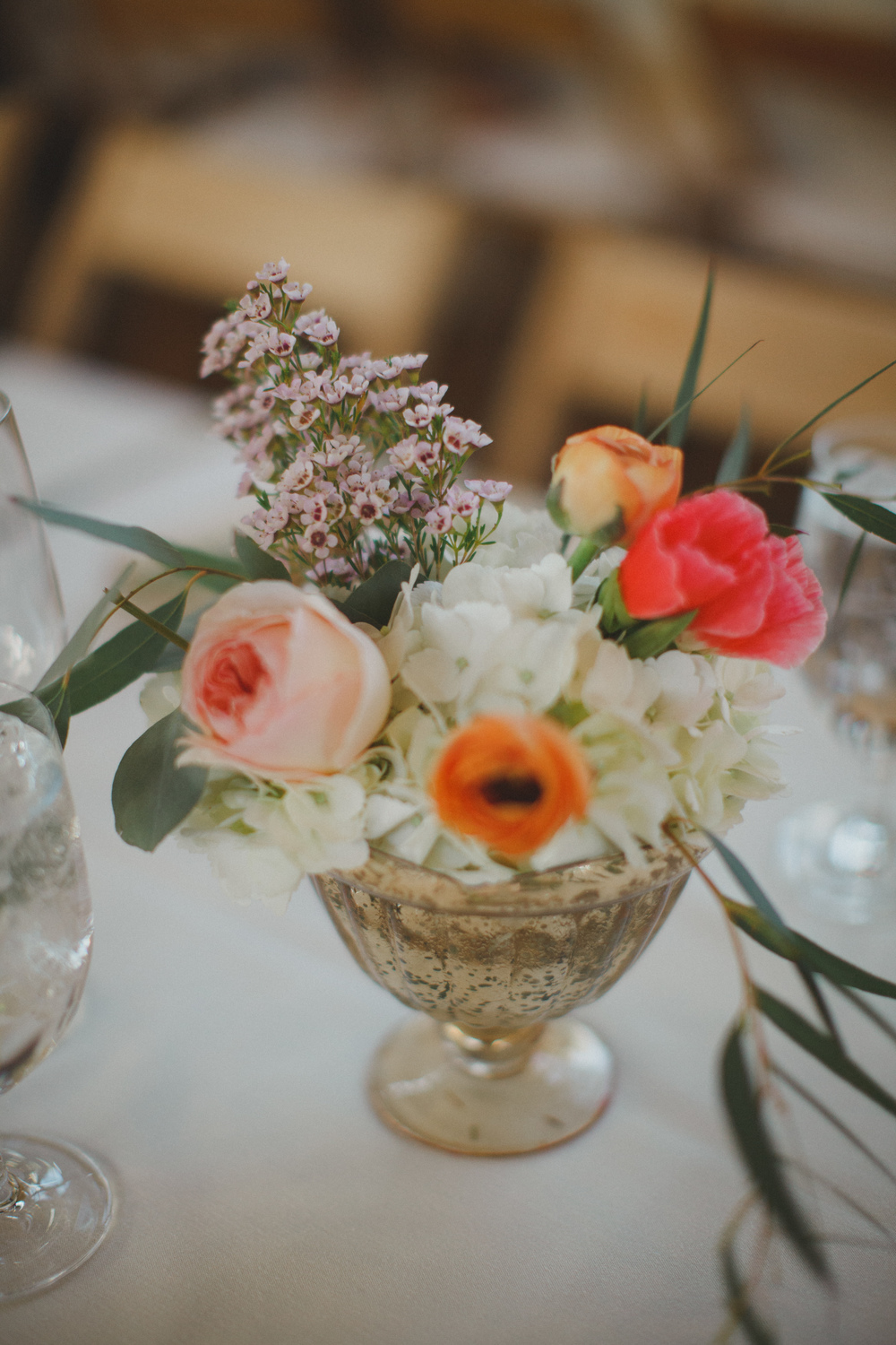 Flowers by Lace and Lilies, Vail Colorado, blush, peach and coral centerpiece