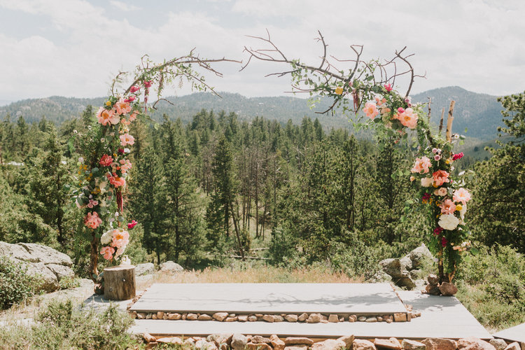 Ceremony Flowers, Decor + More — Lace and Lilies