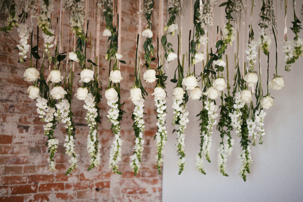 Flowers by Lace and Lilies, blanc denver, denver wedding,  mountain wedding, colorado wedding, hanging flowers, white flowers,