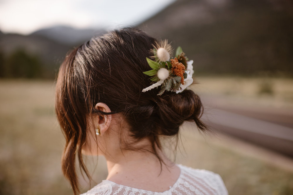 Flowers by Lace + Lilies, flower comb, hair flowers, wedding flowers