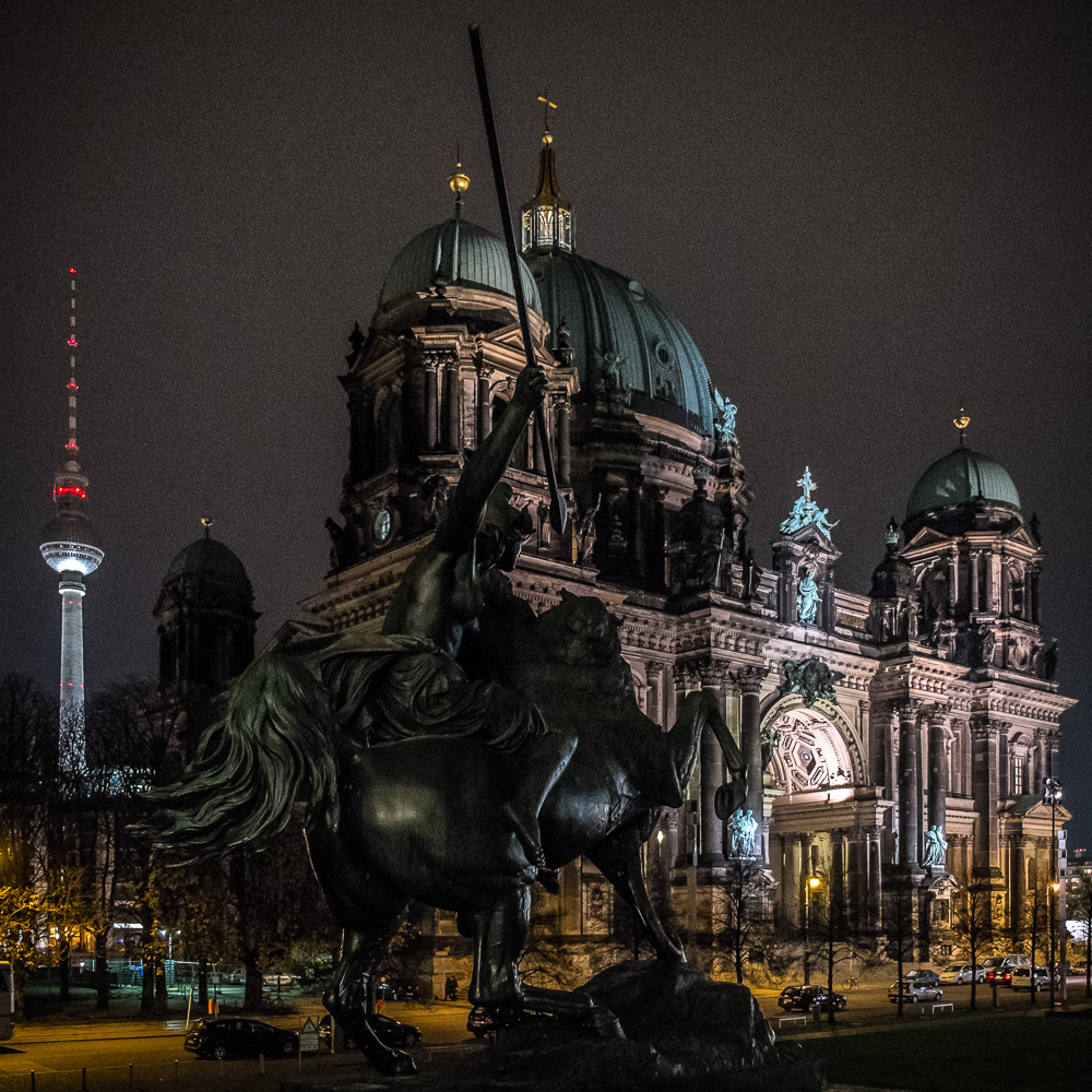 The Lustgarten at night. And because i needed another square photo to fit this spot.
