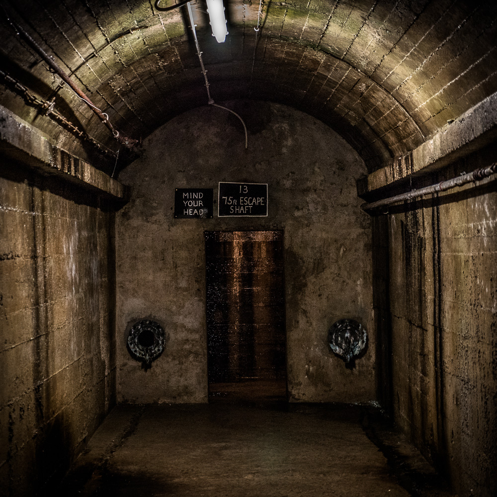 Escape Tunnel! In the underground military hospital