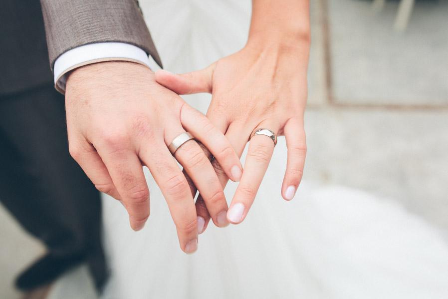 El anillo de Ken era cilíndrico y el de Lonneke abarrilado.