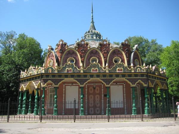 tobacco-pavilion-vdnkh