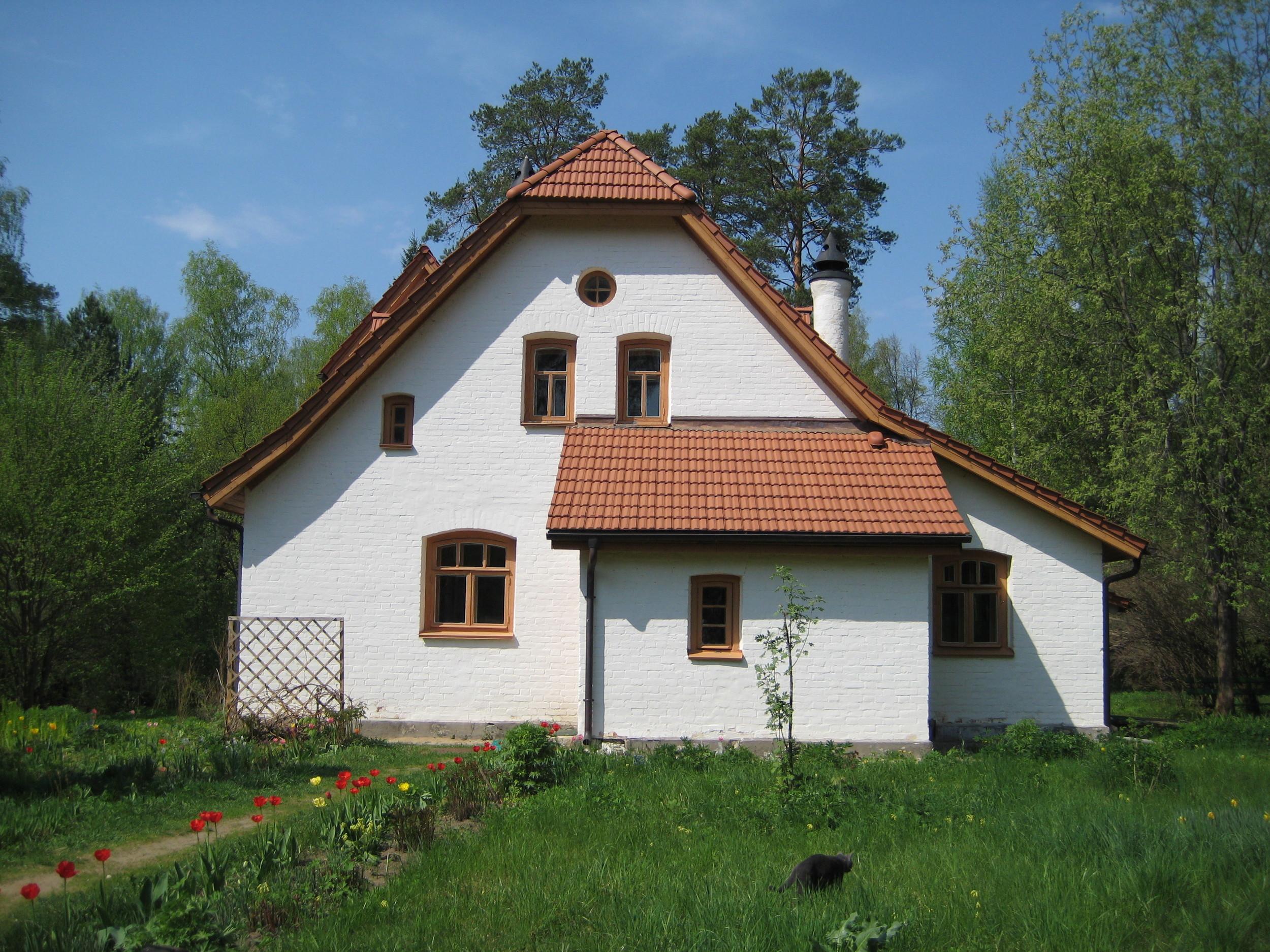 landmark-of-the-week-polenovs-abbey-studio-at-polenovo
