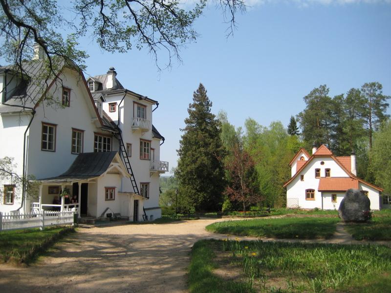 vasily-polenovs-house-and-studio-at-polenovo