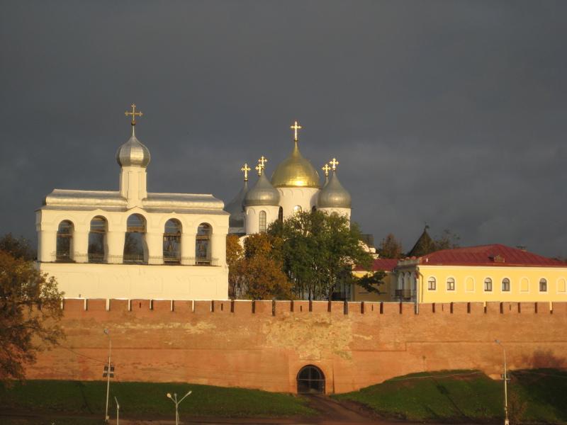 kremlin-walls-cathedral-belfry