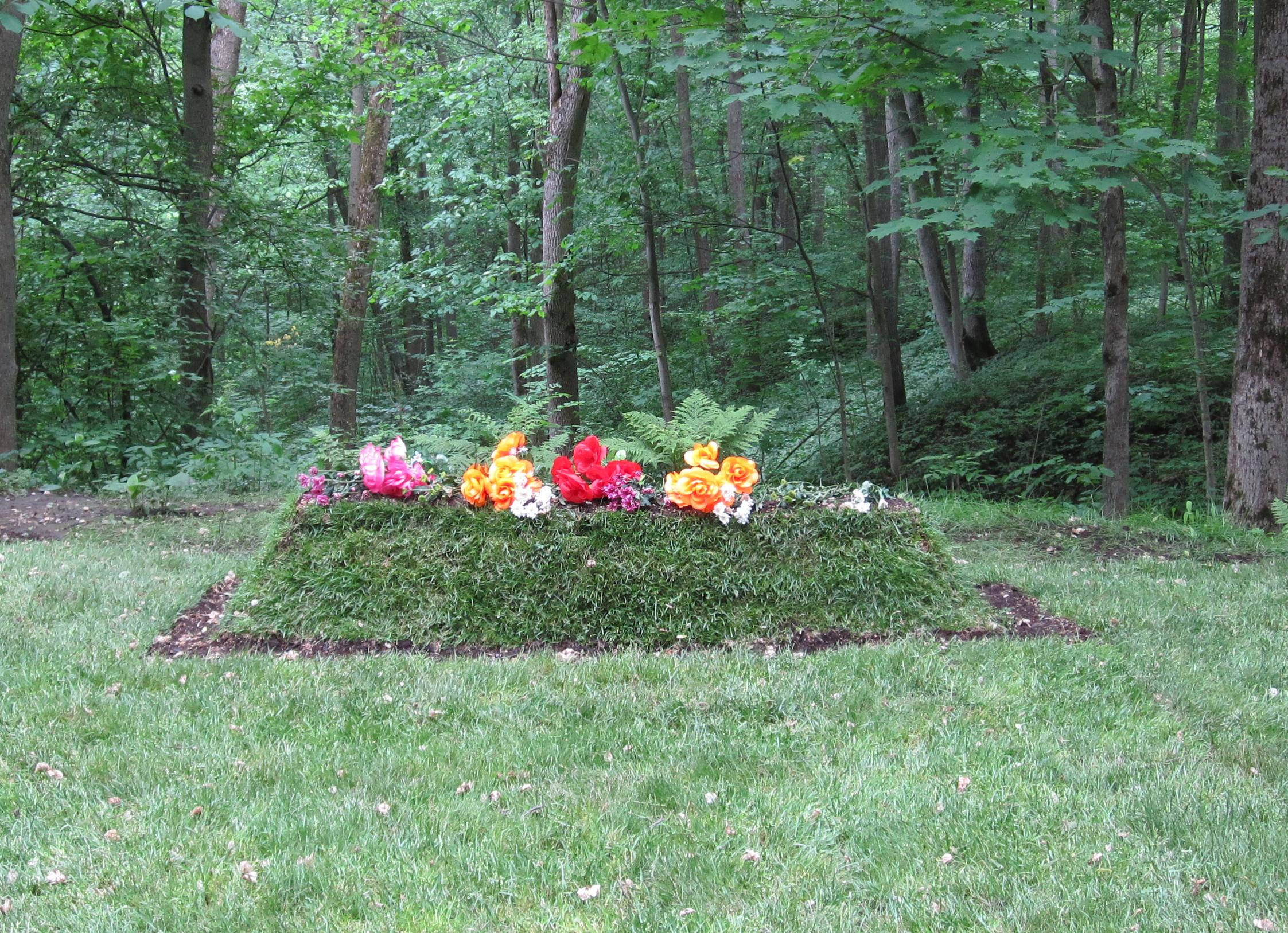 tolstoys-grave