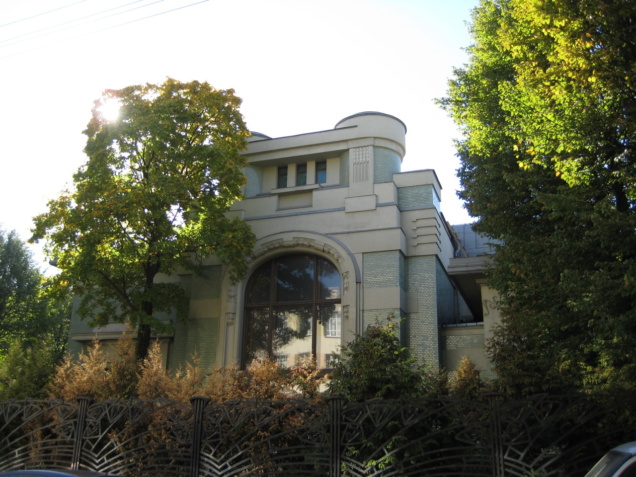 shekhtel-mansion-on-kropotkinsky-pereulok