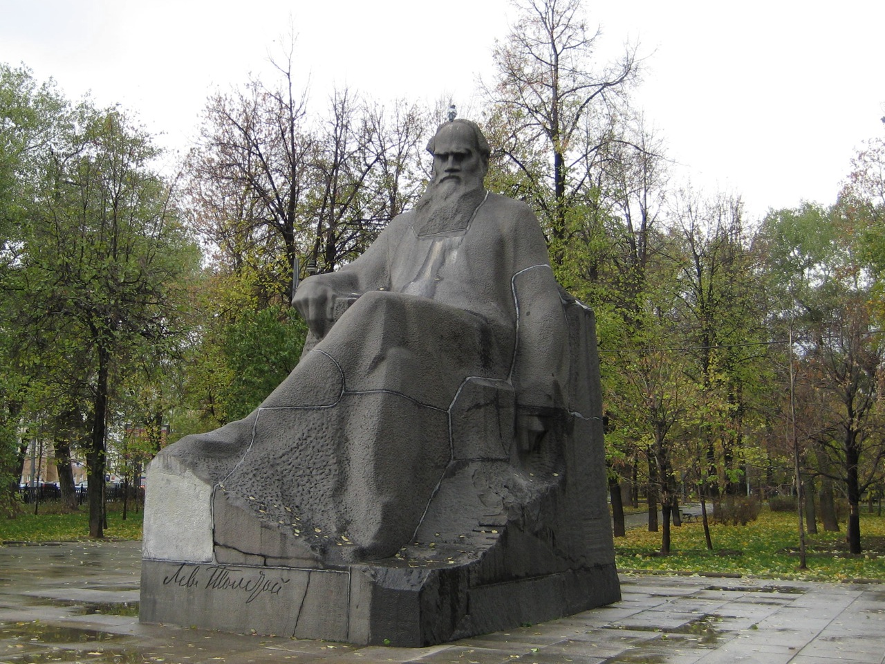 tolstoy-with-a-pigeon-on-his-head