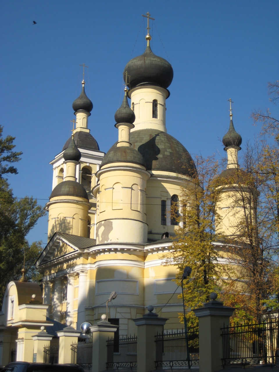 trinity-church-opposite-the-vodka-factory