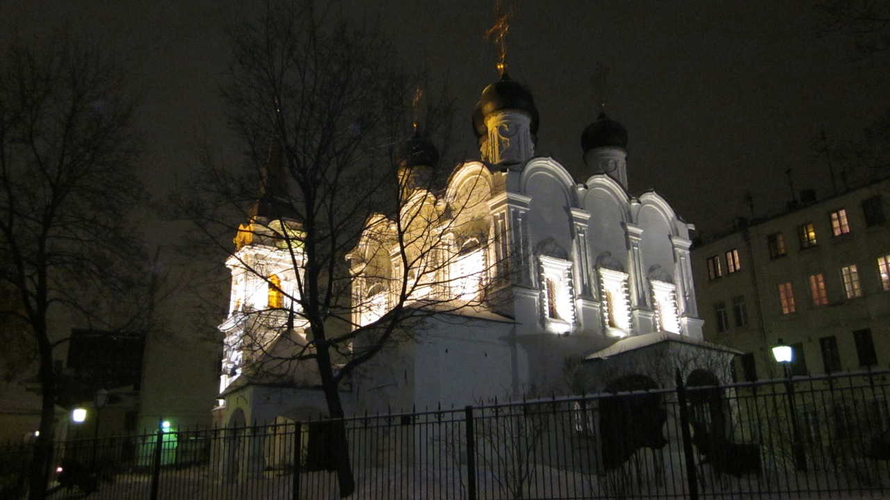 church-of-vladimir-in-the-old-gardens-by-night