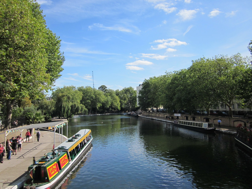 The route mostly follows the canal and passes through an incredible patchwork of London landscapes ...