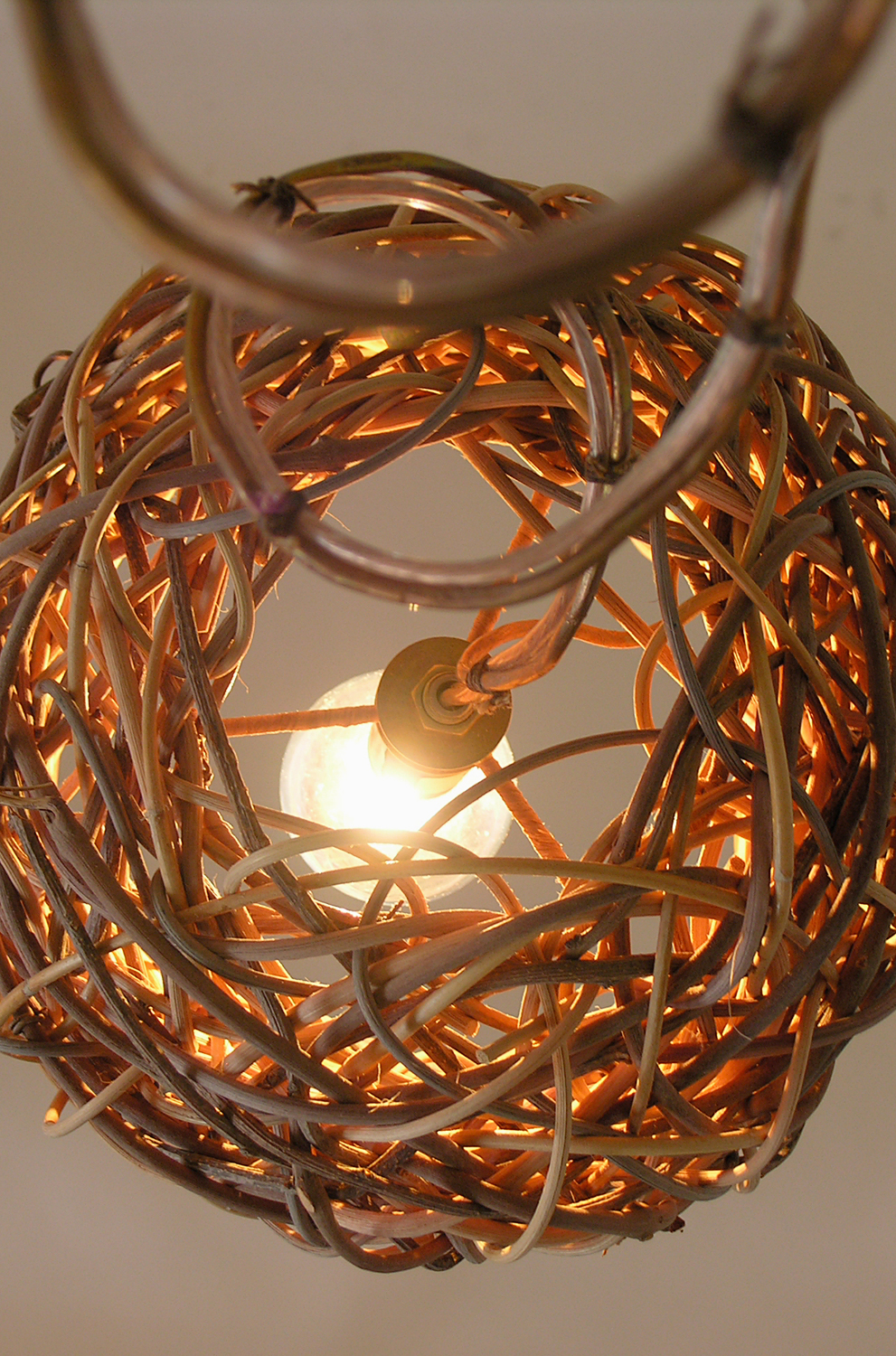 Straight Bell Twinkle Pendant - Detail