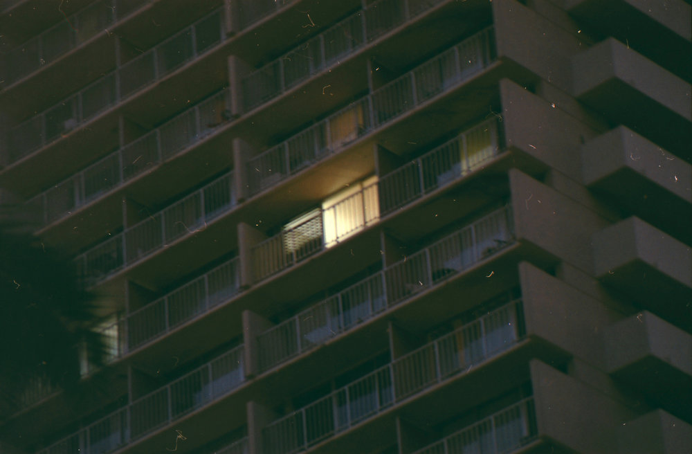 Hotel room - 35mm - Minolta XG-1 - Fujifilm Superia 400 - Vivitar lens