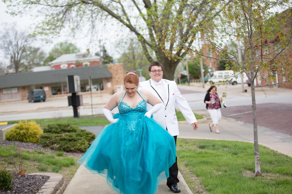 Garrett & Helen Prom 2014 105.jpg