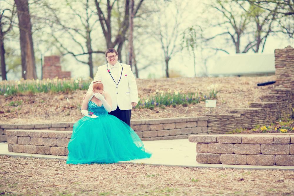 Garrett & Helen Prom 2014 167_1.jpg