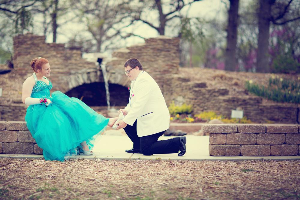 Garrett & Helen Prom 2014 180_1.jpg