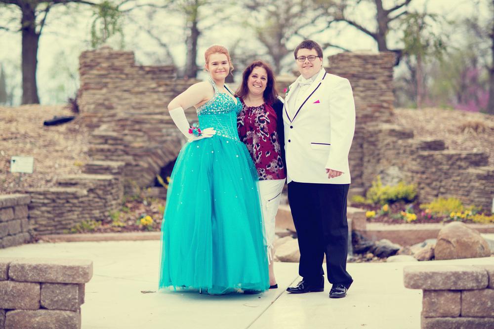 Garrett & Helen Prom 2014 214_1.jpg