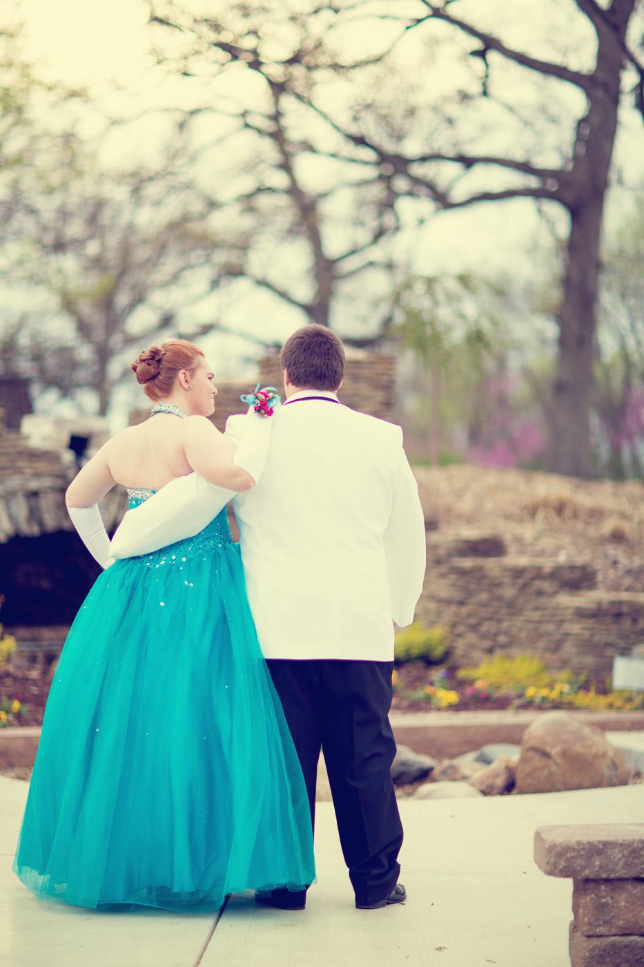Garrett & Helen Prom 2014 235_1.jpg