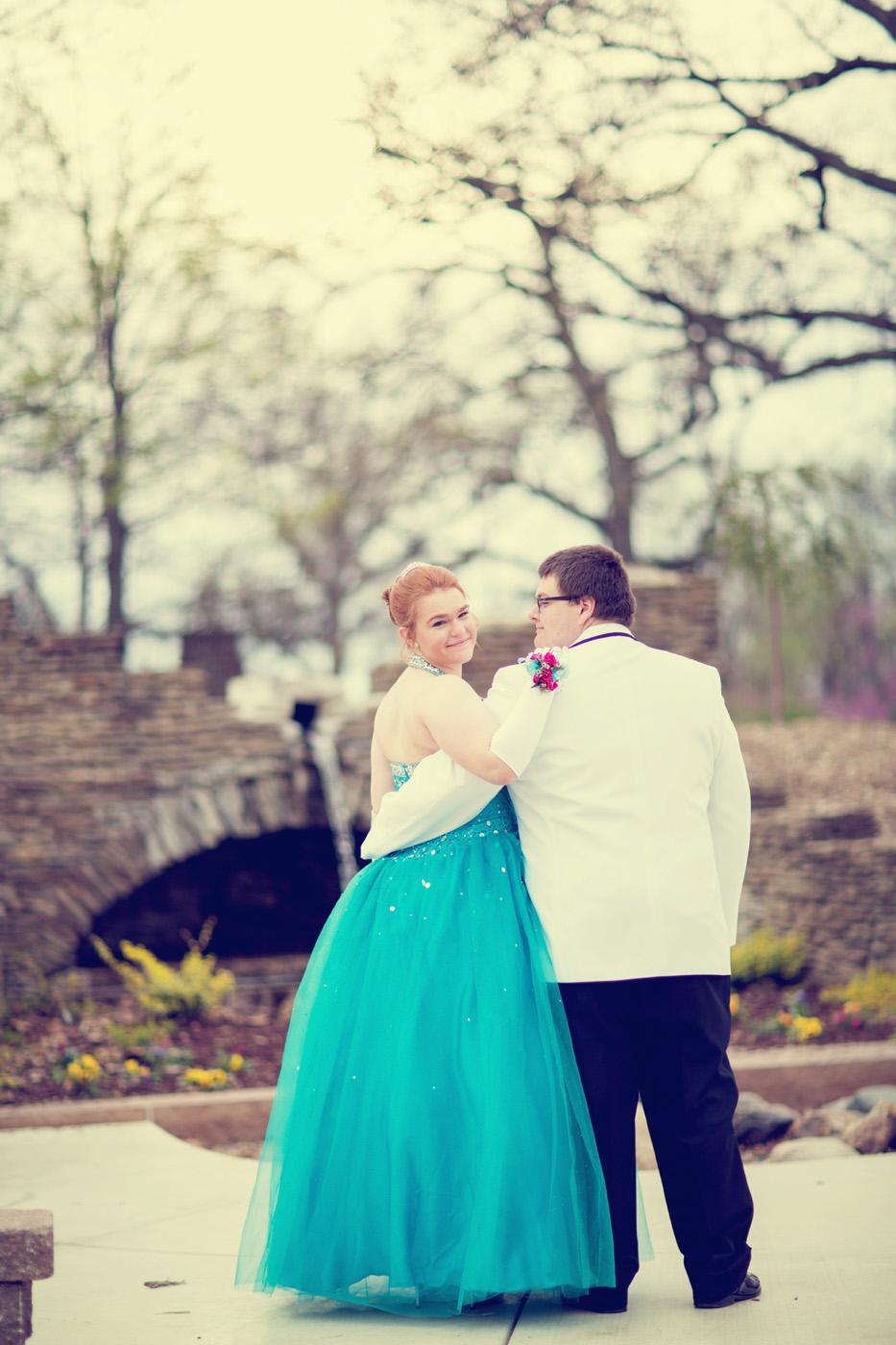 Garrett & Helen Prom 2014 240_1.jpg