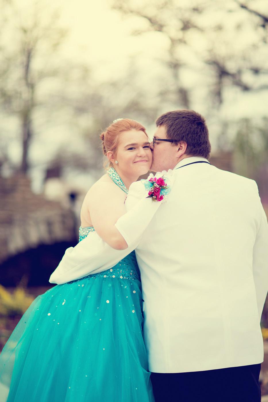 Garrett & Helen Prom 2014 252_1.jpg
