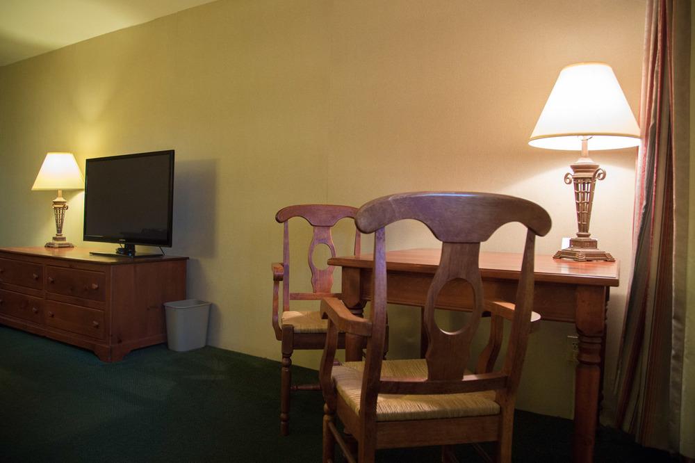 Shelby Inn 058.jpg