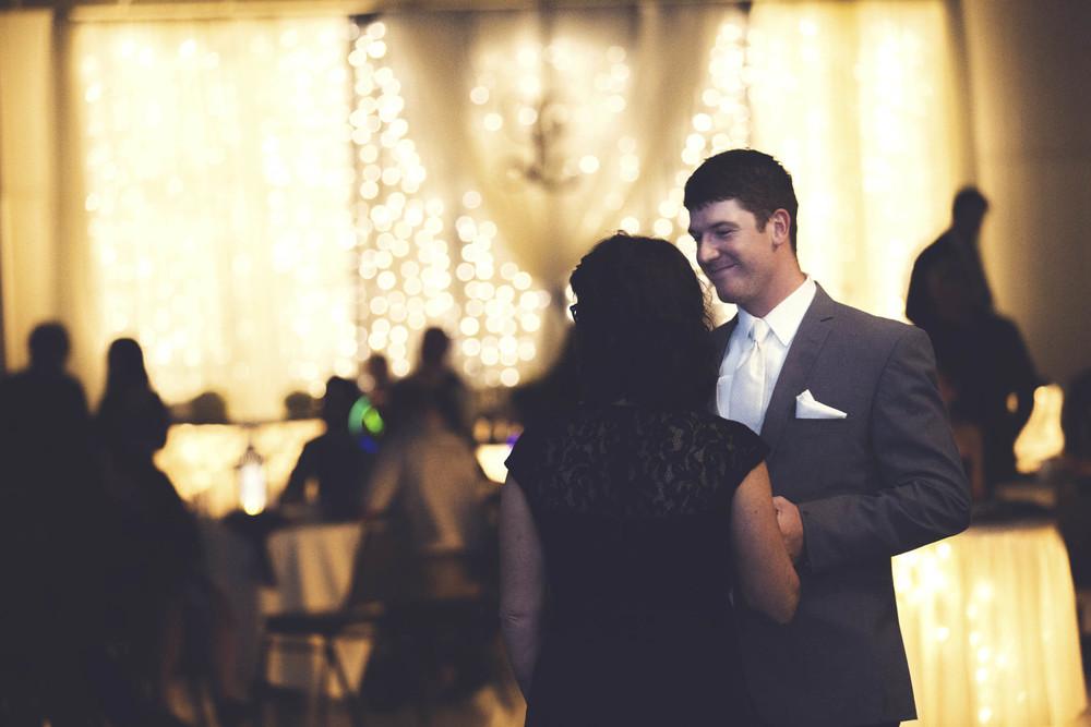 Lucht Wedding 5d 2183.jpg