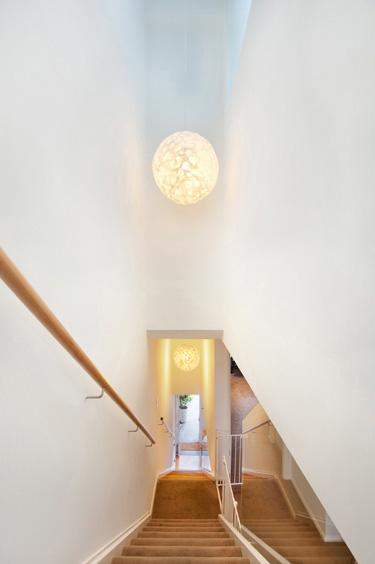 B2_stairs_5.jpg