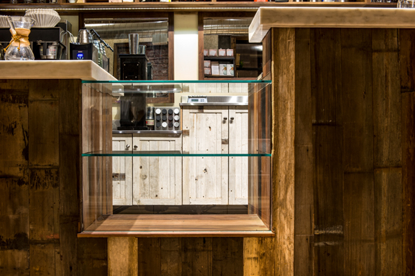 pastrycase.jpg