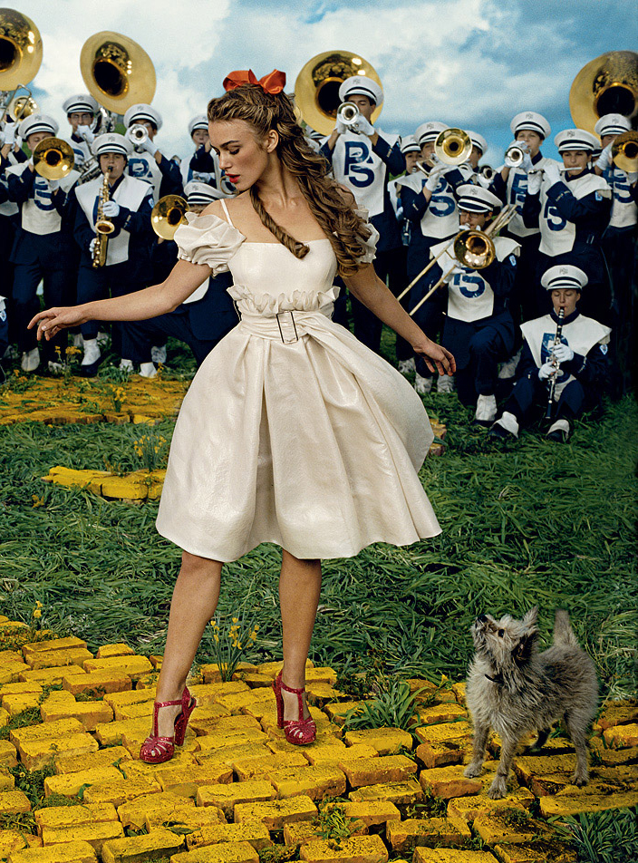 Keira Knightley - Vogue by Annie Leibovitz, December 2005    I have to say there is nothing I do not love or understand about this photograph. Thanks Annie!