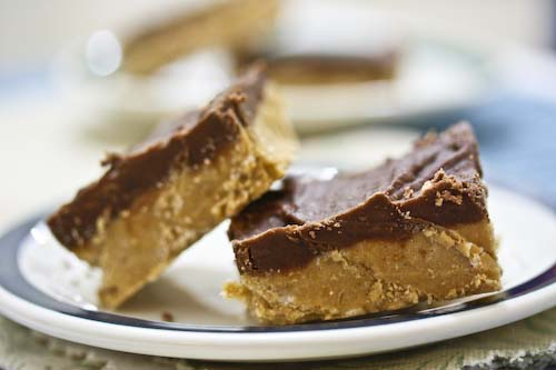 chocolate pb bars.jpg