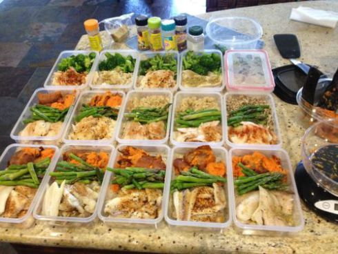 http://hiit-blog.dailyhiit.com/hiit-diet/healthy-recipes/5-easy-meals-meal-prep-throughout-week/