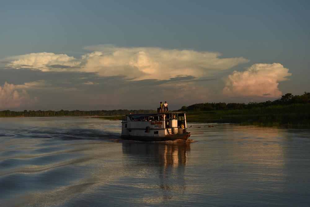 """""""Delfincito"""" - colectivo, millega jõuame 12 tunniga oma baaslaagrisse Amazonases. Foto: Ivo Tšetõrkin"""