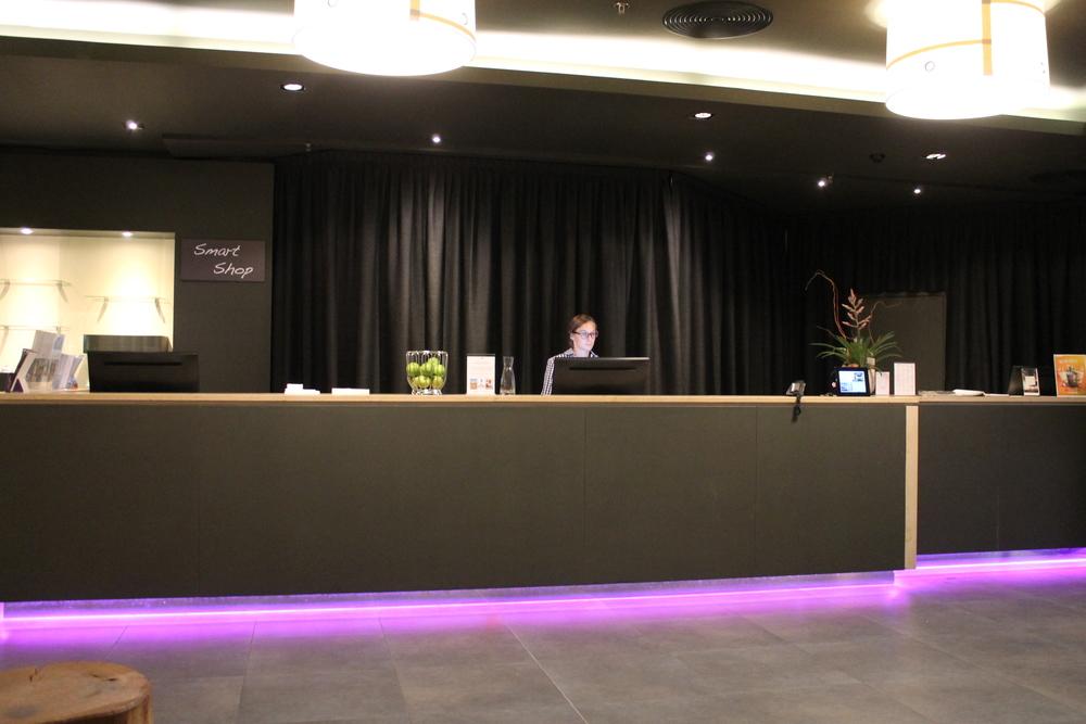 Front Desk HoteldesignJPG.JPG