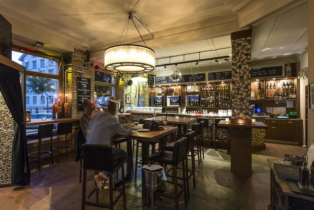 Restaurant Design Tinto Zürich Florian Studer Bar.jpg