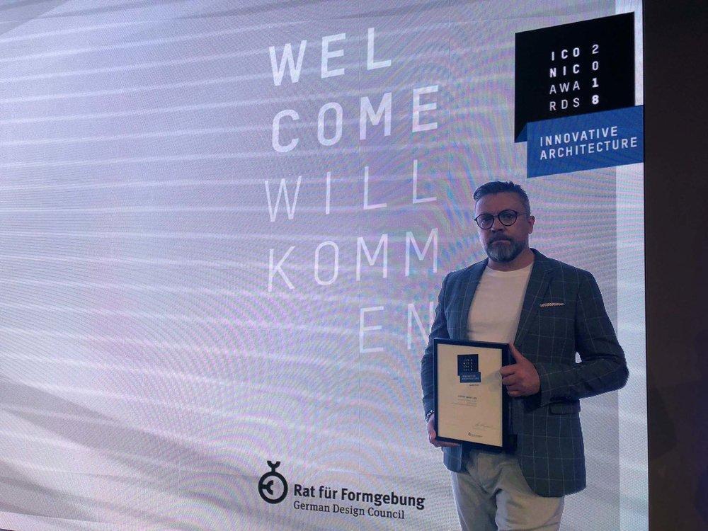 ICONIC AWARD Preisverleihung Florian Studer.jpg