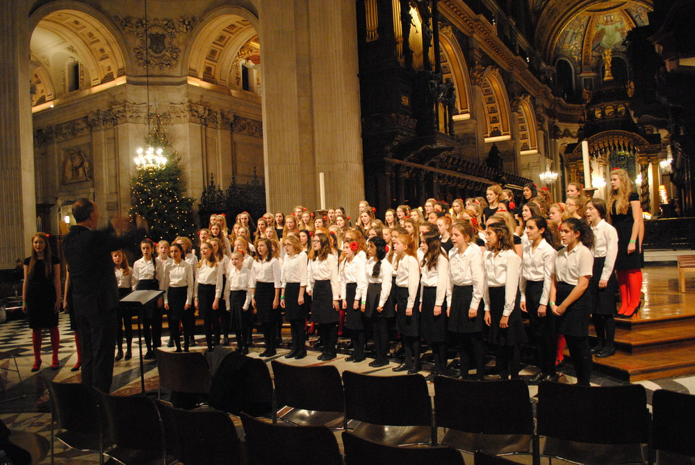 Motet and Cantores Choirs at Barnados Carol Concert, St Paul's Cathedral