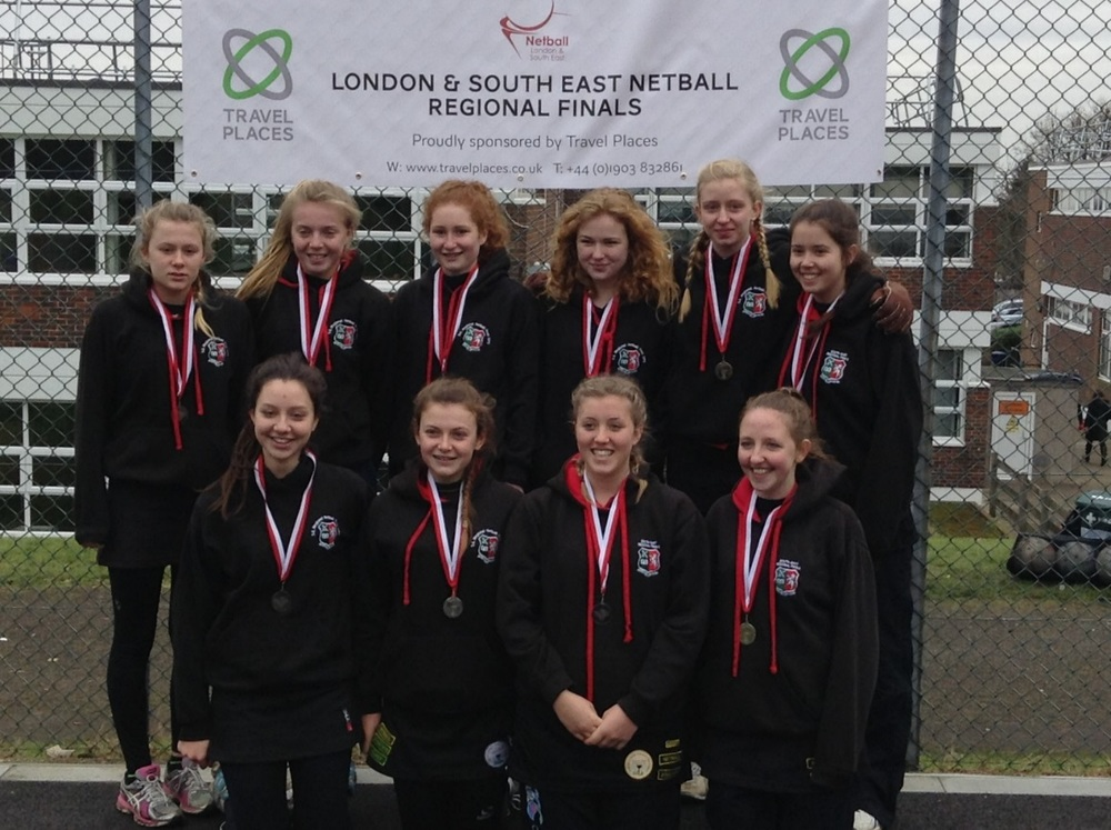 The U16 team – Georgia Jefferies, Daniella Vincenzini, Louise Fletcher, Maisie Douch, Elisha Goldring, Tabitha Reed, Jodie Hummersone, Hannah Alderman, Georgia Grayland, Carla Hill