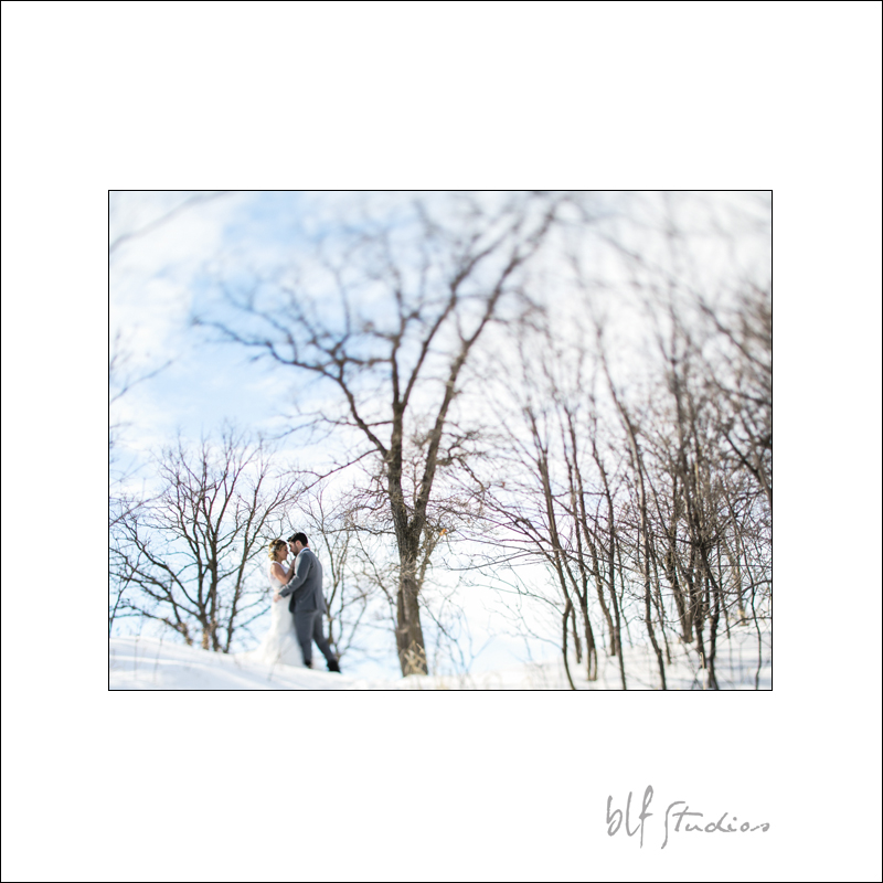 Bride and Groom winter wedding photo Winnipeg