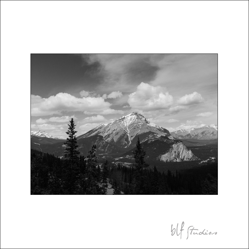 Banff photographer (1).jpg