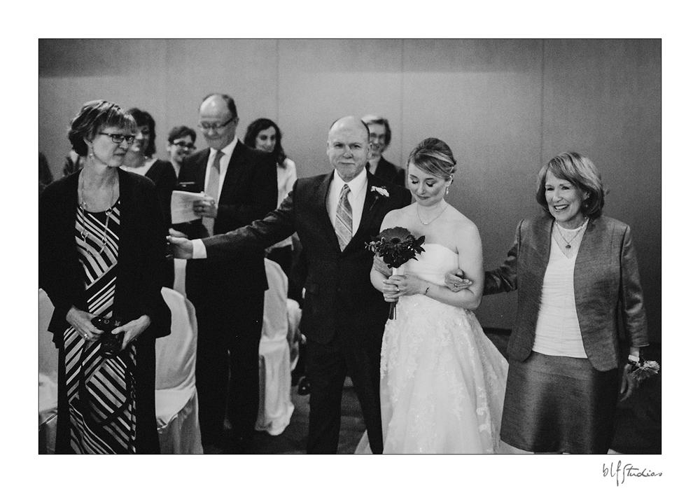 Wedding ceremony at Niakwa Golf Club Winnipeg