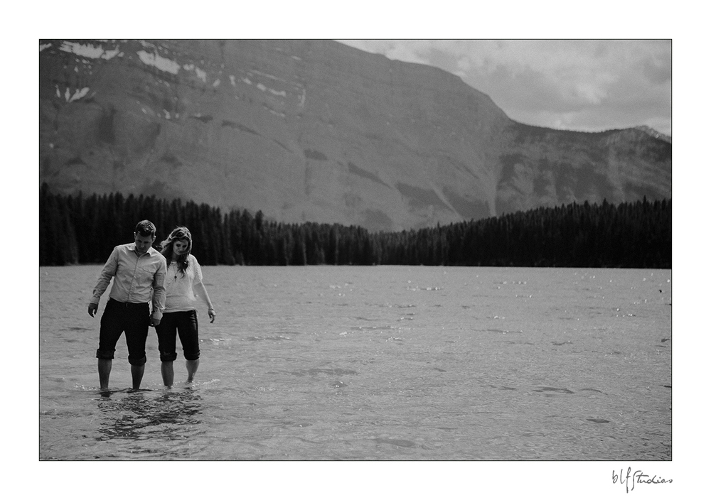 00007-blfstudios-banff-engagement-photos-amanda-eric.jpg